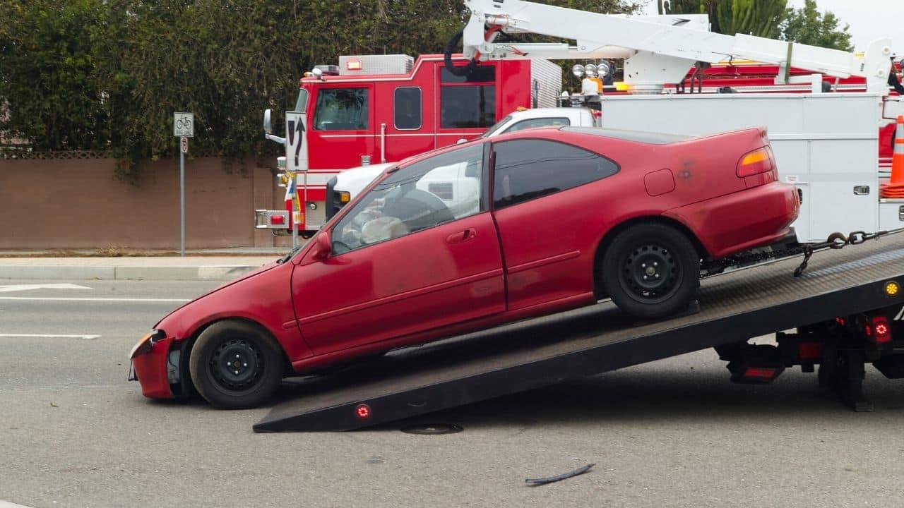 Débarrasser les gens des voitures en épave